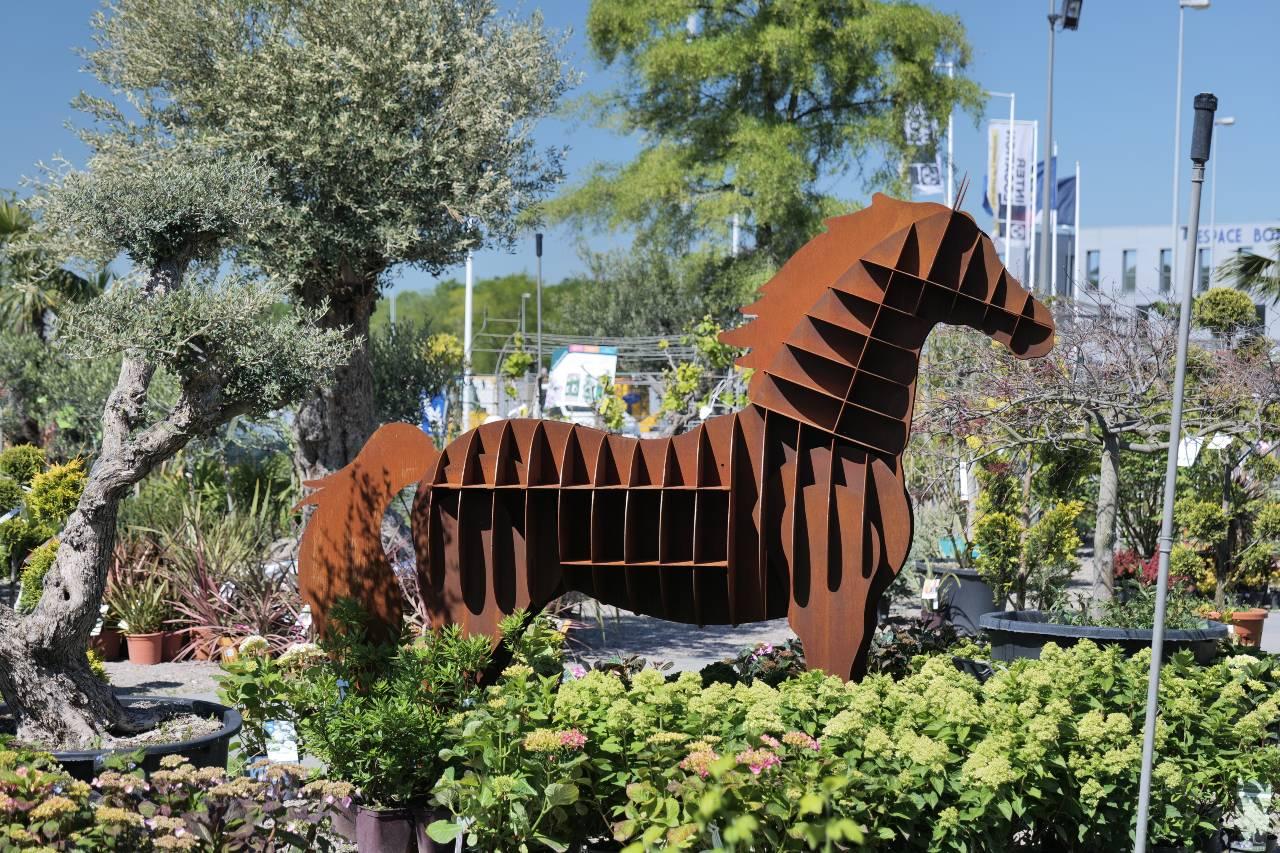 statue acier cheval grandeur nature